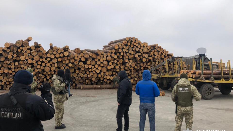 У Камінь-Каширському районі – масштабні обшуки на лісопильних підприємствах