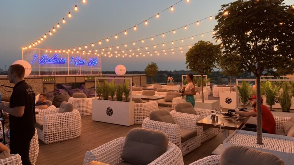 У Луцьку відкрився великий ресторан на даху