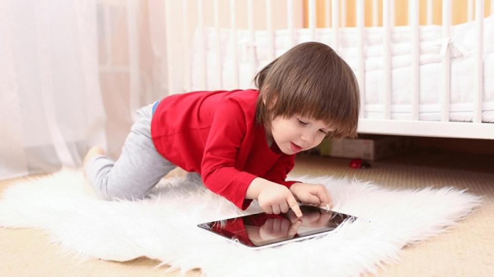 Планшети і телевізори серйозно шкодять дітям, – учені
