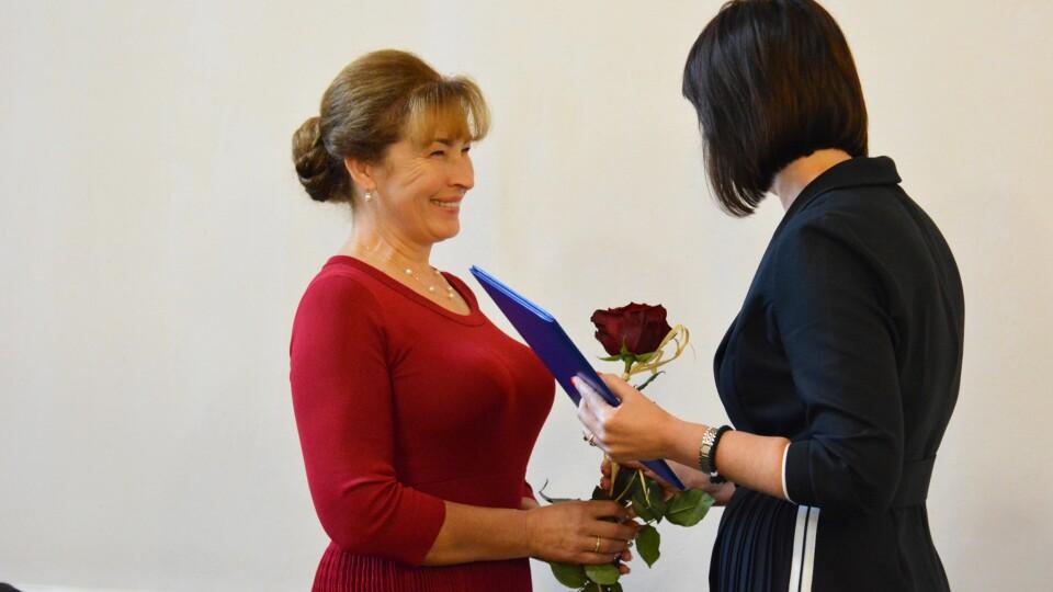 Звання, премії, грамоти: у Луцьку освітянам вручили нагороди