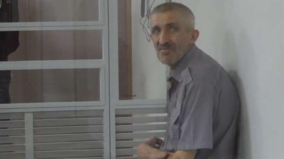 Чоловіка, який зарубав дружину і доньку, вбив 19-річний ув'язнений. У нього були численні переломи