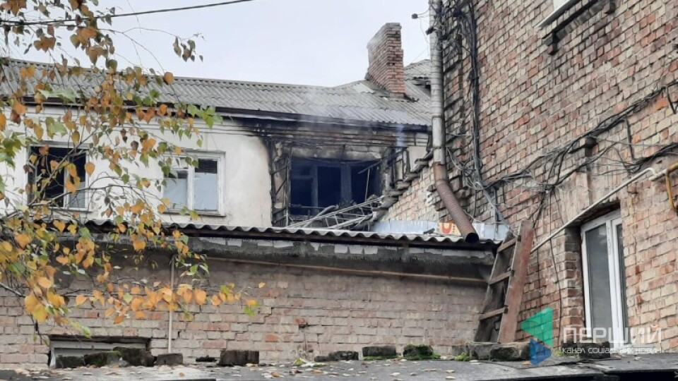 Назвали імовірну причину пожежі у житловому будинку в центрі Луцька