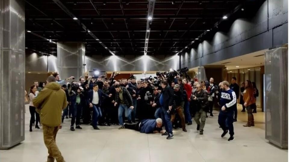«Де ти був у 2014 році?». За що активісти напали на радника секретаря РНБО Сивохо