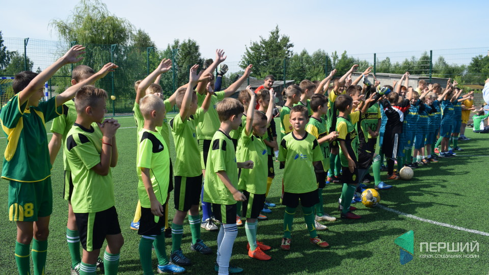 Було болото, а став «стадіон»: у Любомлі облаштували футбольне поле. ФОТО