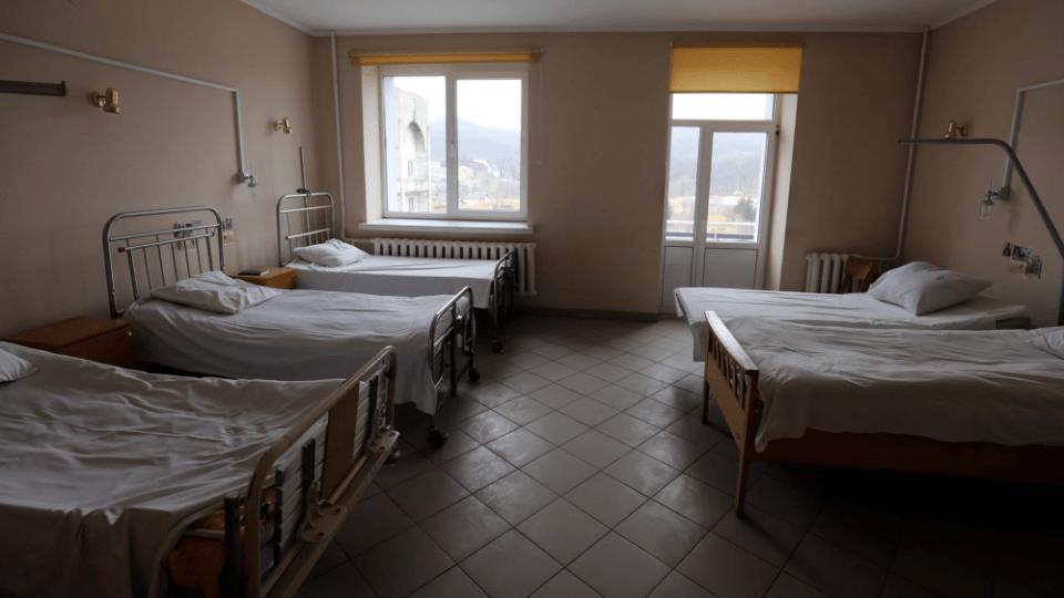 У ковідному шпиталі в Боголюбах залишилося всього 13 місць, під'єднаних до подачі кисню