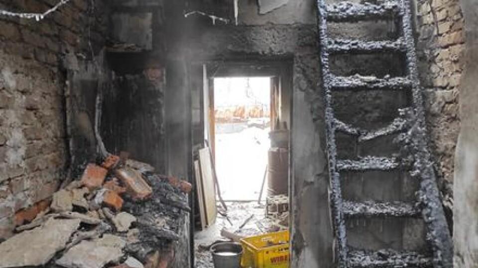 У селі під Луцьком вщент згорів будинок. Родині потрібна допомога