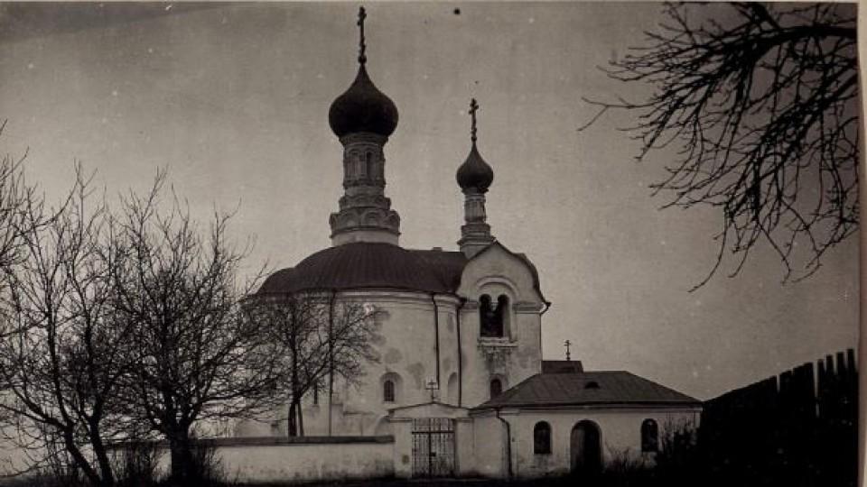Виклали надгробками. Історія елітної вулиці у Володимирі-Волинському. ЗГАДАТИ ВСЕ