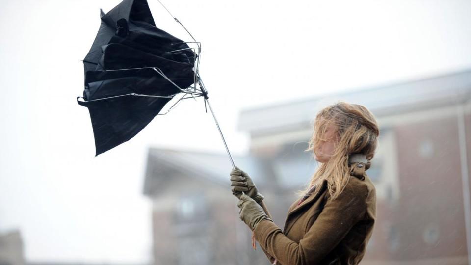 Волинян попереджають про шквальний вітер