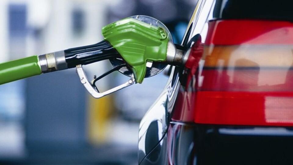 Українські АЗС змінили вартість бензину та дизельного пального