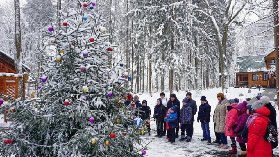 Як «сонячні діти» святкували Новий рік у «волинській Швейцарії». ФОТО. ВІДЕО
