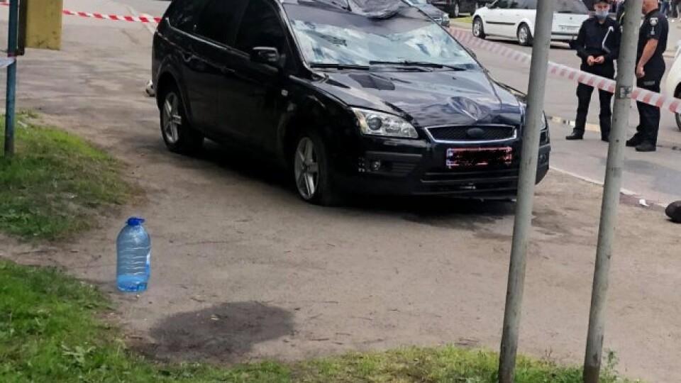 У Луцьку на пішохідному переході збили чоловіка та двох дітей