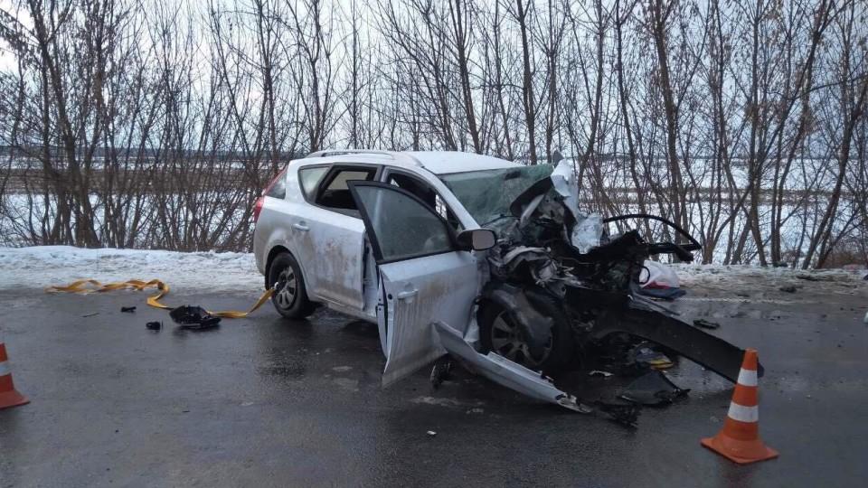 Водій легковика загинув, пасажирка в реанімації: смертельна аварія на Волині. ПОДРОБИЦІ