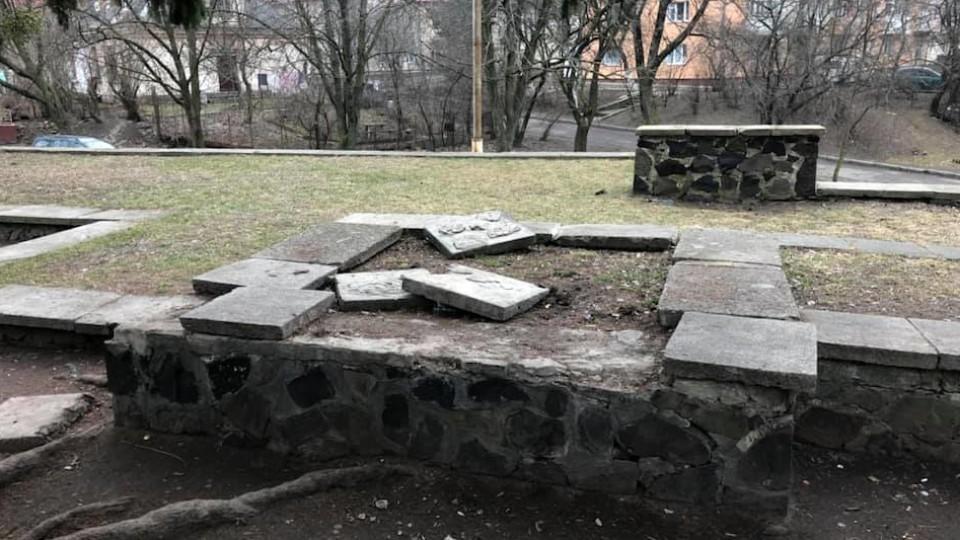 У Луцьку «прокачають» Меморіал Слави. ФОТО