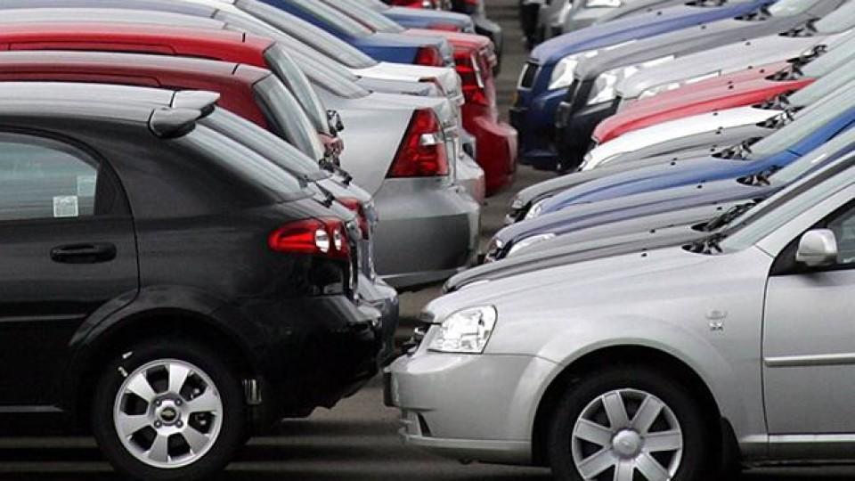 Як купити хорошу автівку за кордоном і не потрапити в халепу. Перший у поміч
