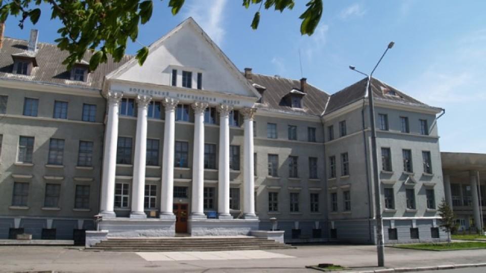 Музею у Луцьку передали рукавицю російського диверсанта, на якого обміняли Надію Савченко. ФОТО