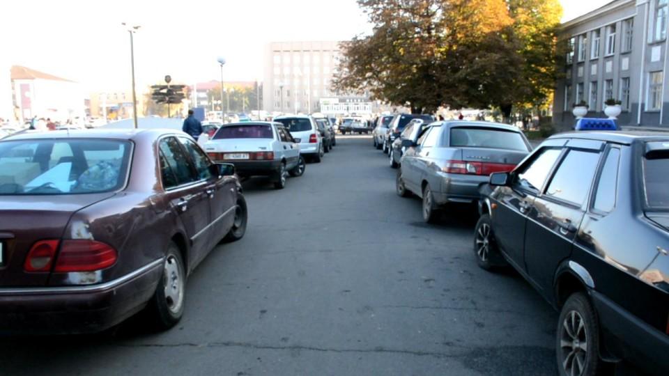 Затримання «євроблях» і огляд особистих речей: що нового готують  для українських водіїв