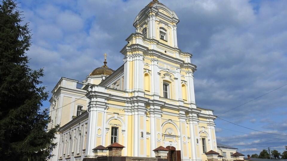 Розклад богослужінь у храмах Луцька на Великдень