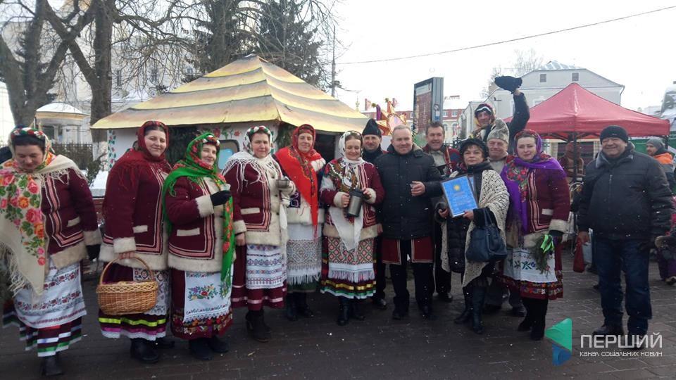 У центрі Луцька стартував фестиваль колядок. ФОТО