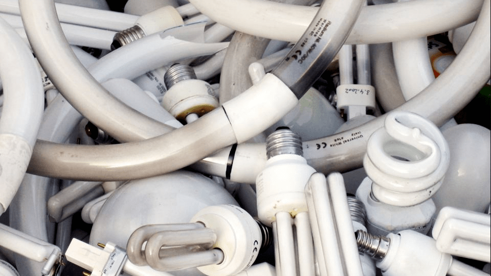 Куди лучанам викидати відпрацьовані ртутні термометри та люмінесцентні лампи
