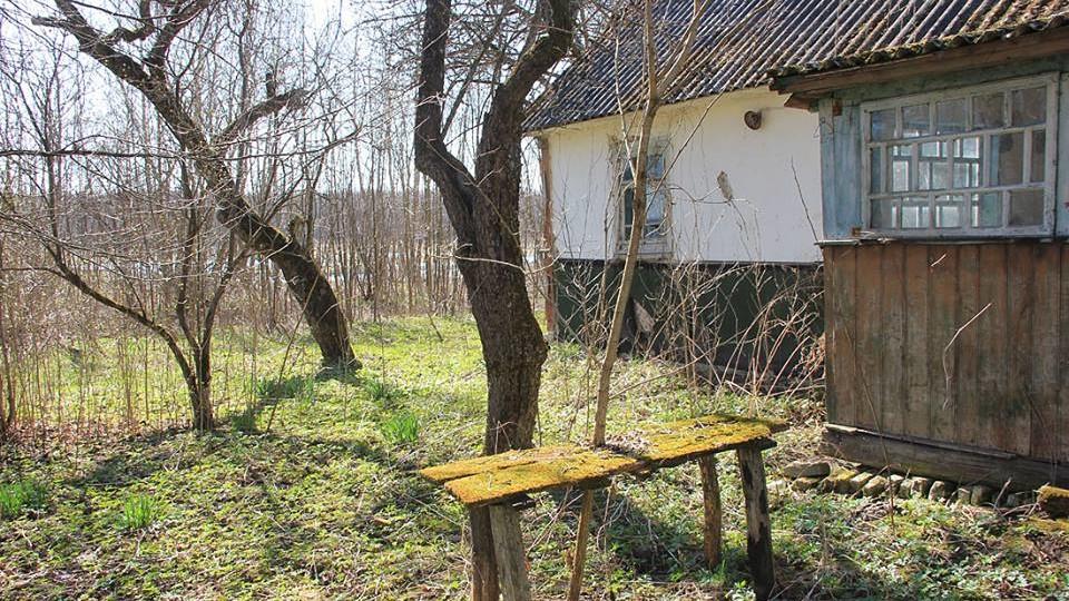Старе кладовище, церква і  закинуті хати: лучанин подорожує  невідомими місцями Волині. ФОТО