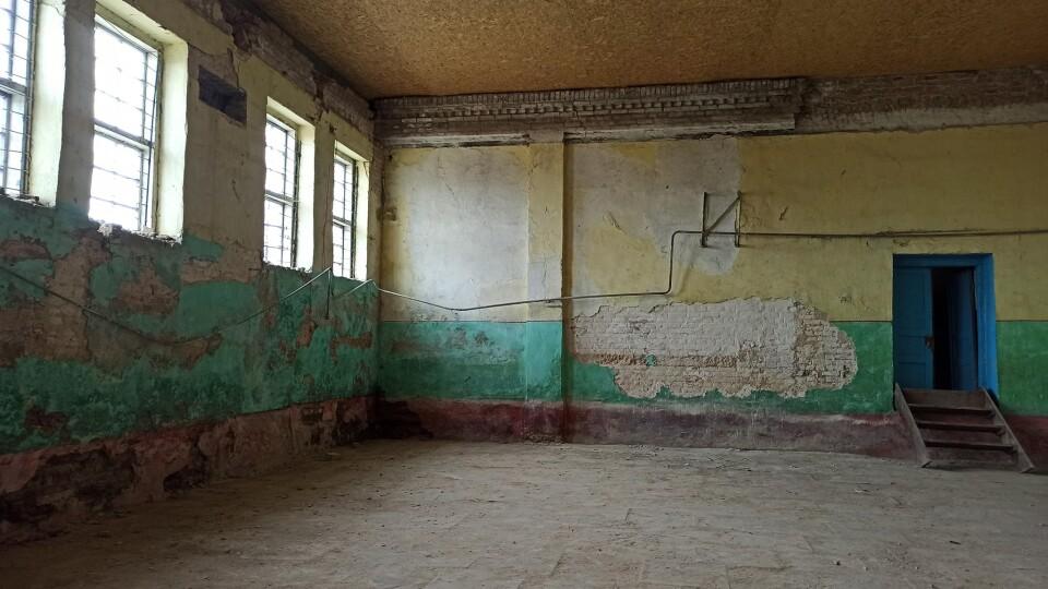 У Берестечківському ПТУ почали ремонтувати спортзал