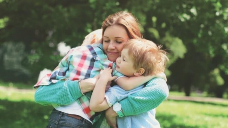 Волинянка, яка виховує доньку з синдромом Дауна, бореться за звання «Міс особлива мама України»