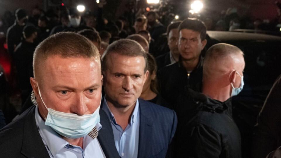 Суд відправив Медведчука на цілодобовий домашній арешт