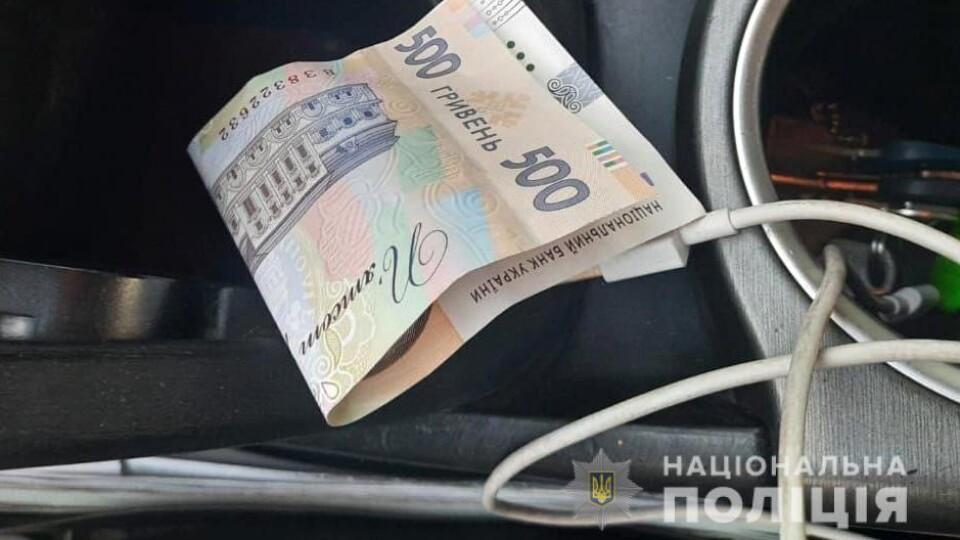 На Волині п'яний водій пропонував патрульним 500 гривень хабара