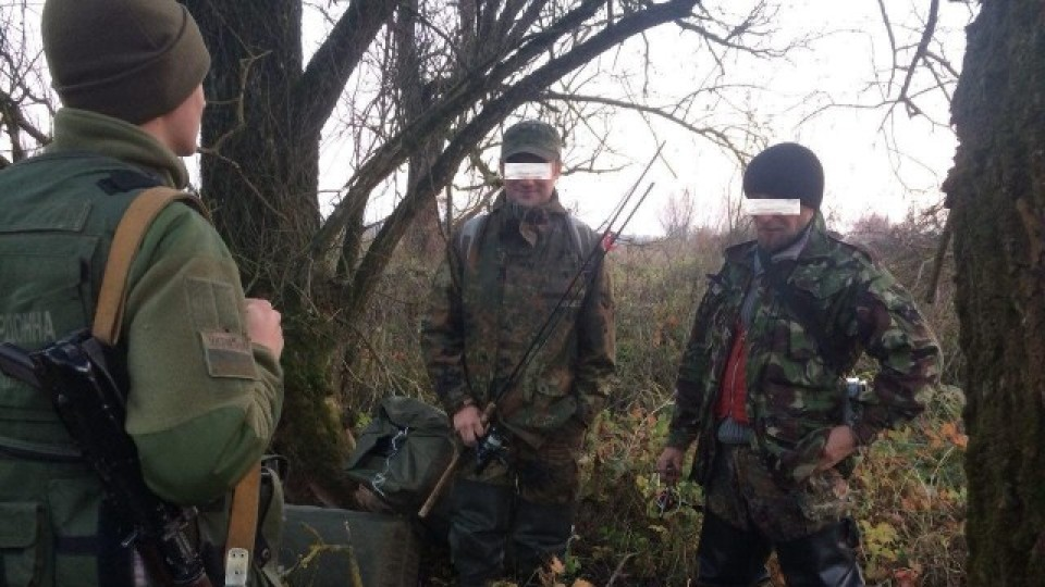 На волинському кордоні затримали сигаретних контрабандистів