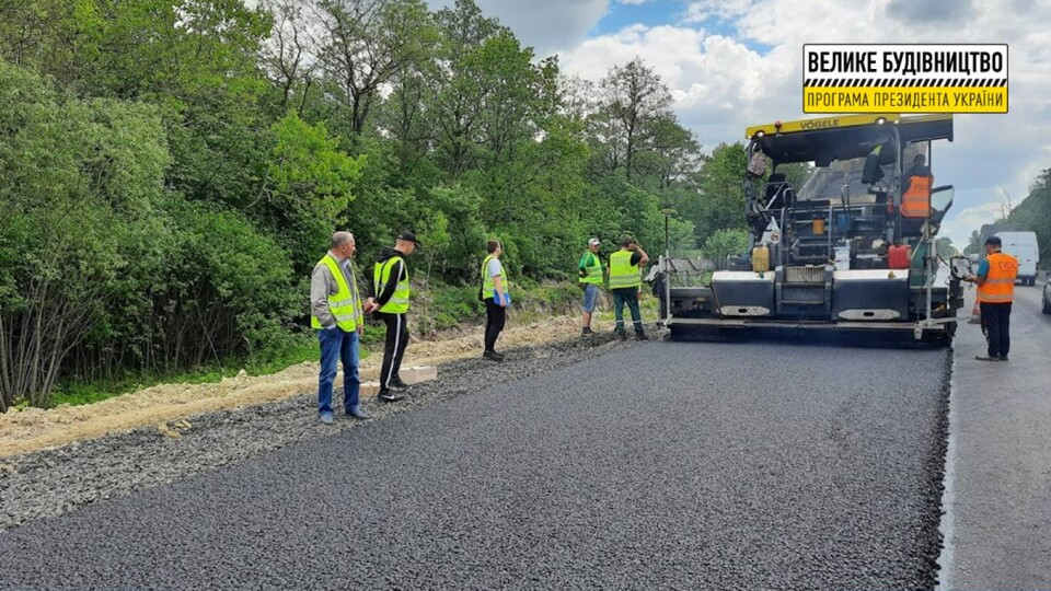 Поблизу Ковеля ремонтують дорогу: рух частково обмежений