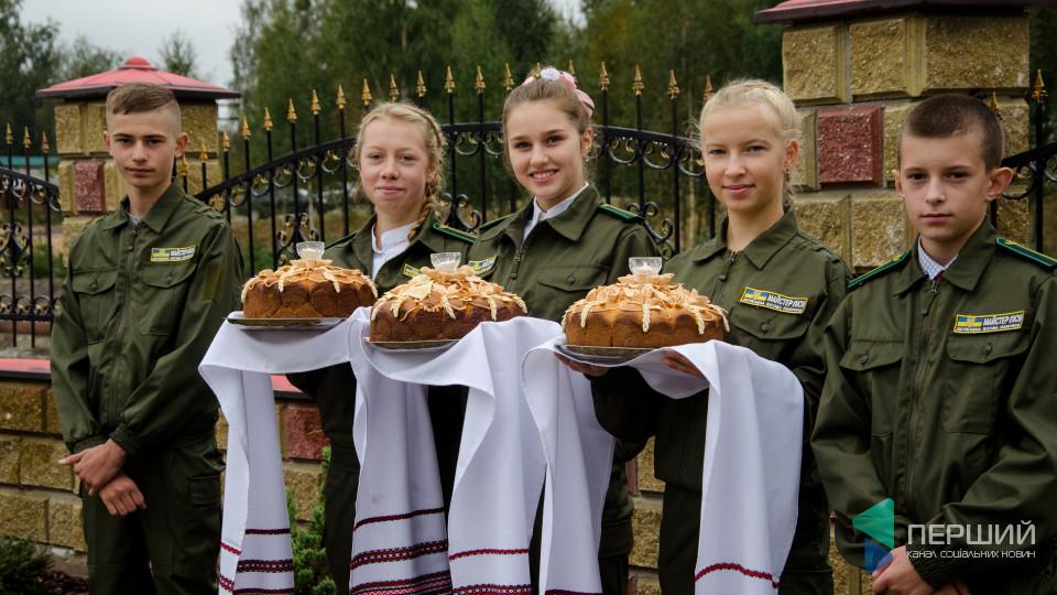 Коровай та шашлики: у Ратному відсвяткували День лісівника. ФОТО