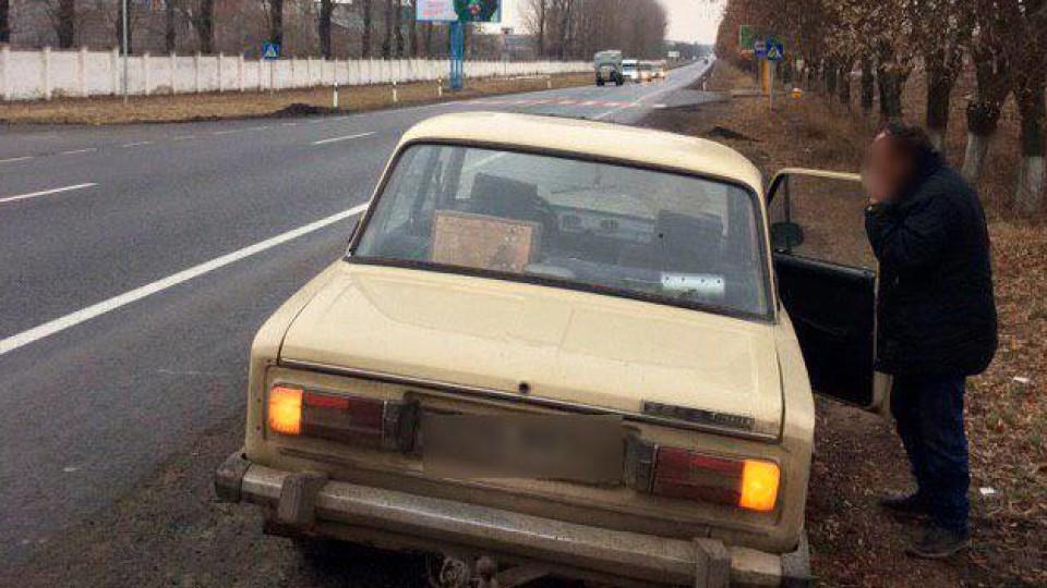 На Волині п'яний водій «Жигулів» тицяв  гроші патрульним. ФОТО