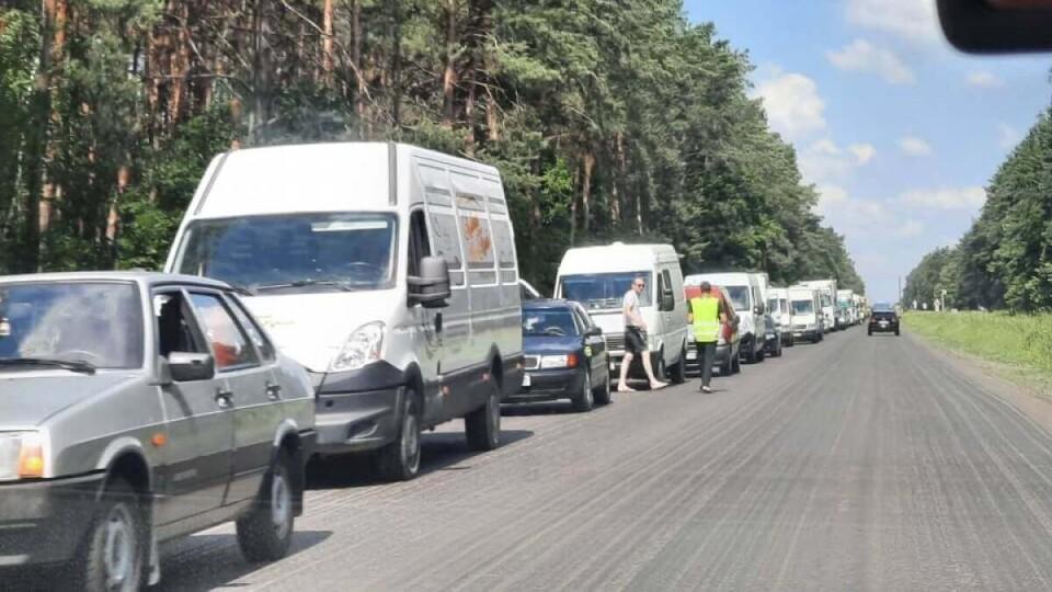 На Волині через ремонт дороги утворилися довжелезні затори