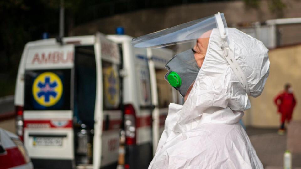 За добу коронавірус виявили у 455 волинян. 10 людей померло