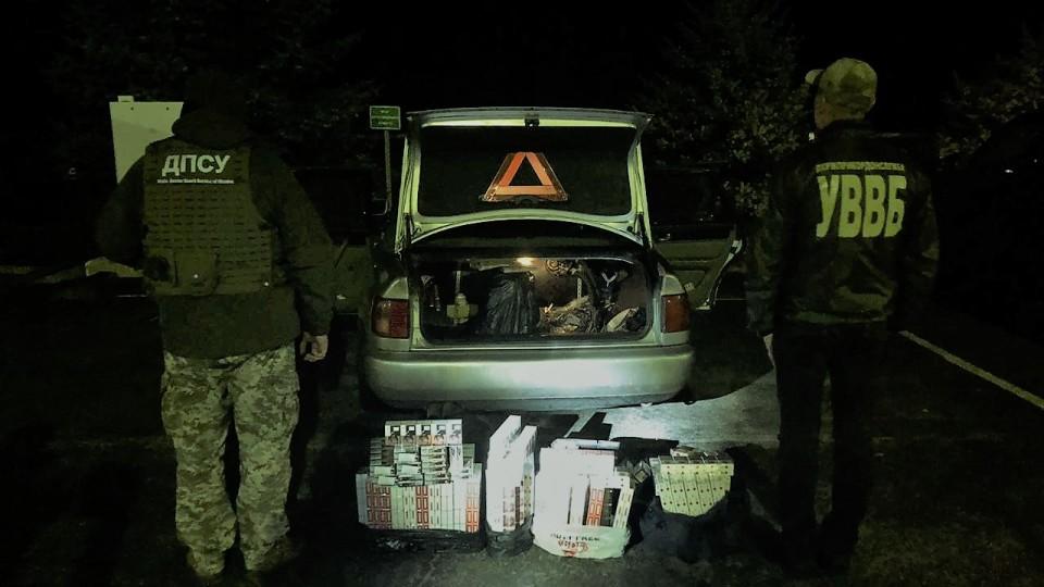 На волинському кордоні затримали сигаретних контарабандистів