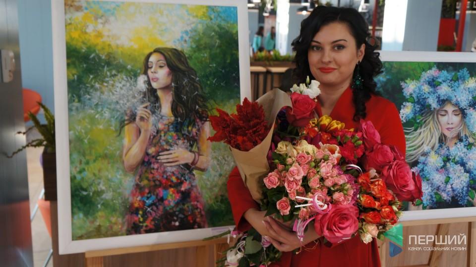 Відкрили ювілейну виставку луцької художниці Алли Харчук. ФОТО