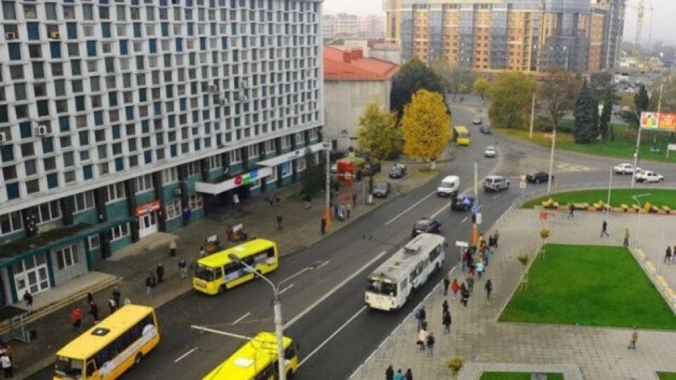 У Луцьку біля «Променя» хочуть змінити схему руху