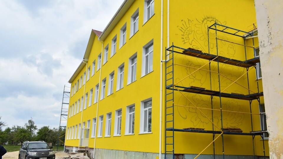 У Лукові Турійського району школу будують без спортзалу. До вересня планують завершити