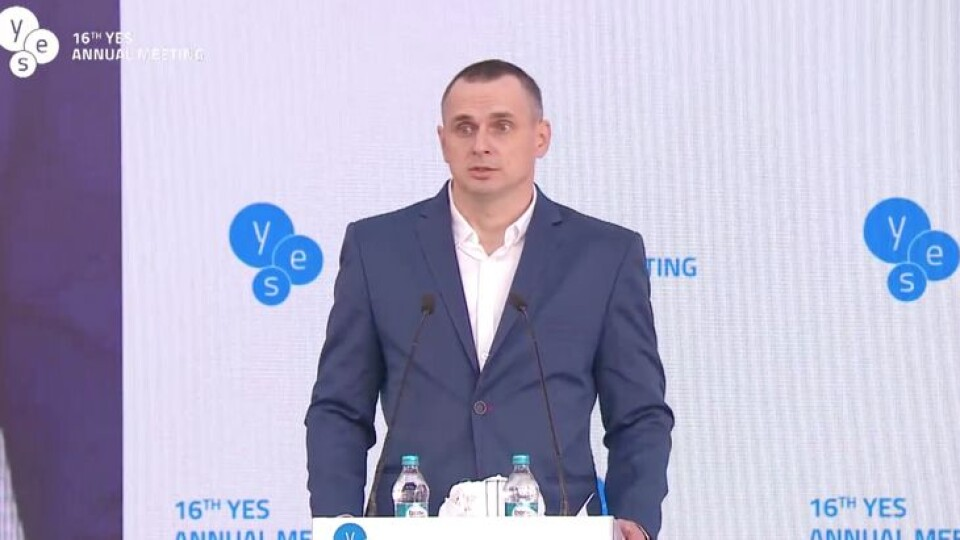 «Сьогодні я буду говорити про слоїк». Промова Олега Сенцова на форумі у Києві