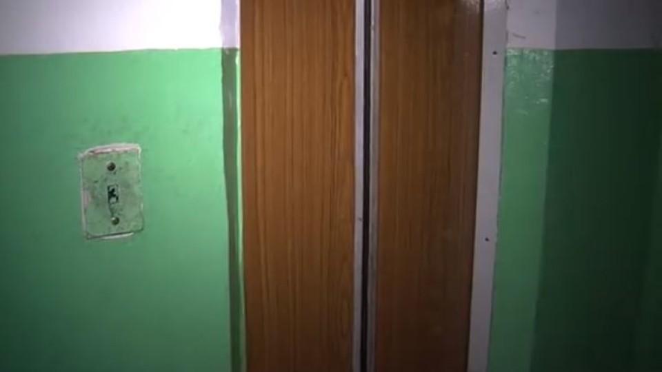 У луцькій багатоповерхівці не працює ліфт. Люди з інвалідністю не можуть вийти надвір