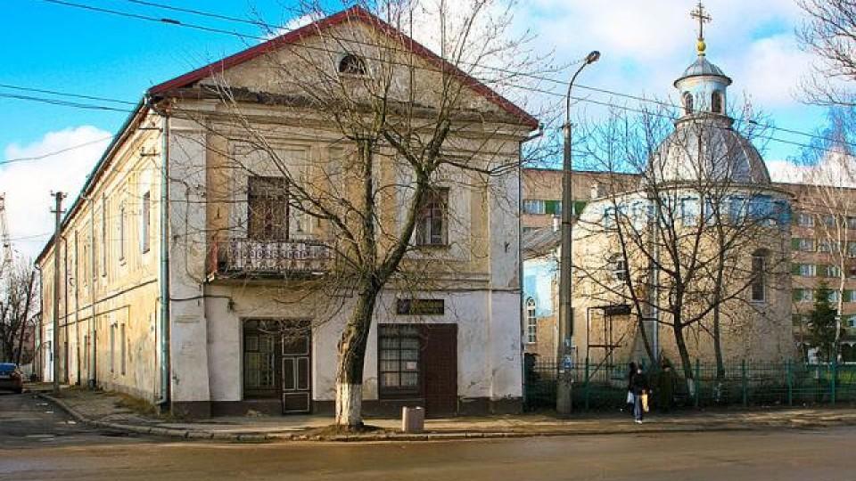 Винагороду за пійманого вандала активісти віддали у луцький монастир
