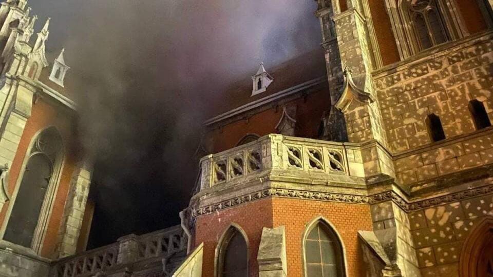 У Києві горів столітній костел Святого Миколая. Що про це відомо