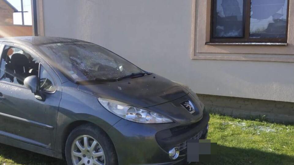 Погрожував і стріляв: п'яний чоловік вдерся до чужого будинку у Боголюбах