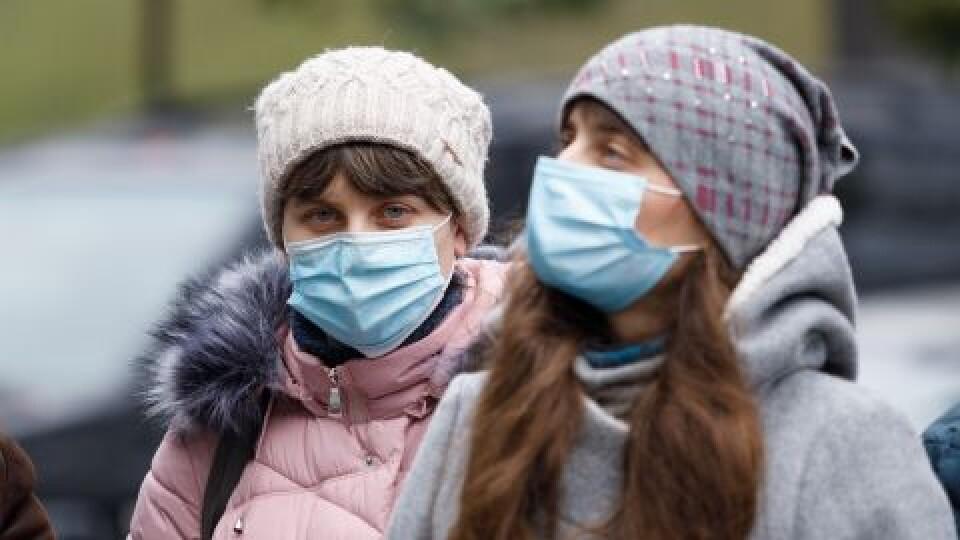 В Україні за добу – понад 12,5 тисячі хворих на COVID-19. Одужало – ще більше