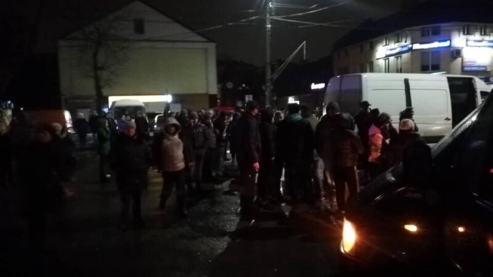 «Поліція стала на бік натовпу невідомих осіб, а не закону», – Луцькрада про нічні події на ринку