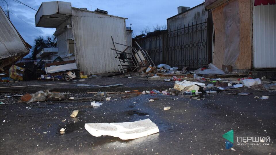 Суд не скасував рішення Луцькради про знесення контейнерів і паркану на Старому ринку