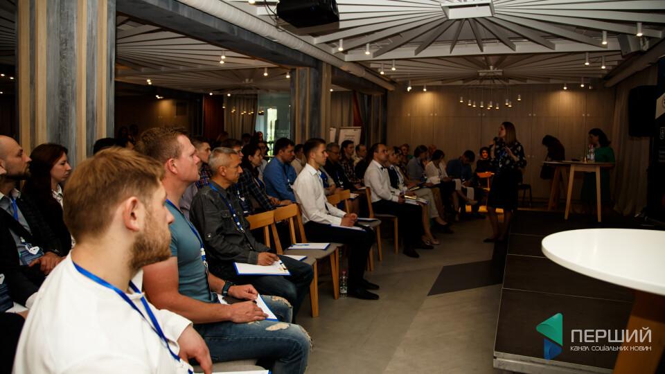 У Луцьку стартував форум для бізнесменів «Ефективні продажі». Фоторепортаж