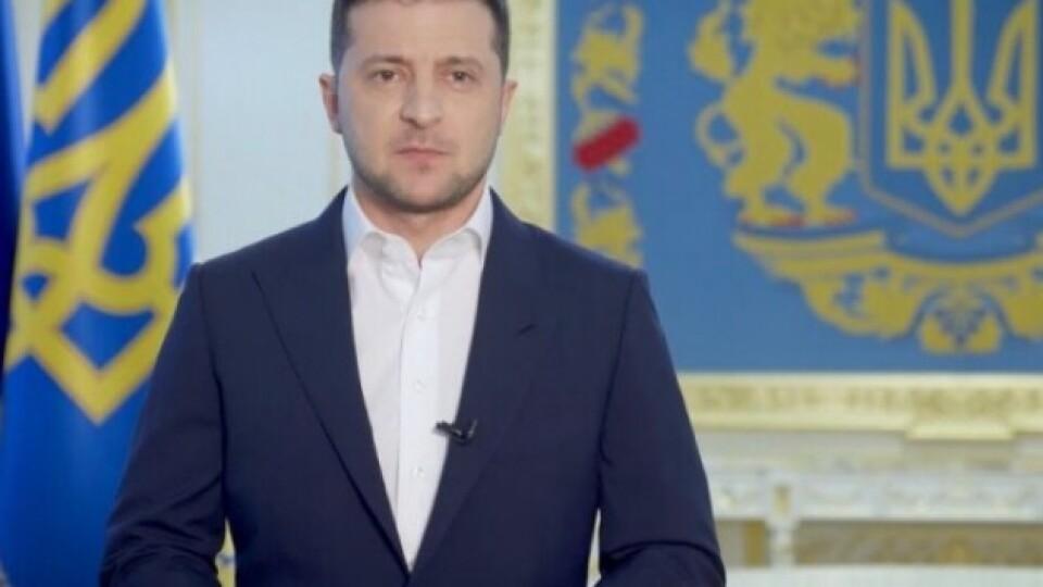 Відео, на якому Зеленський виконує вимогу луцького терориста, видалили з його сторінки