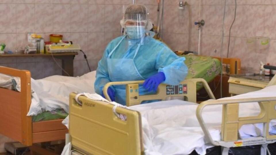 Ще у майже 10 тисяч українців виявили коронавірус