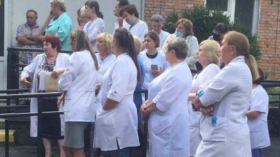 У Львові медики оголосили голодування через невиплату зарплат